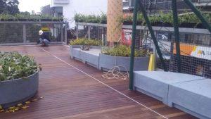 memasang lantai kayu decking bandung