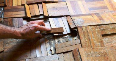 lantai kayu terlepas
