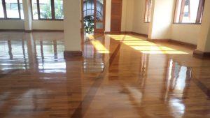 lantai kayu masjid