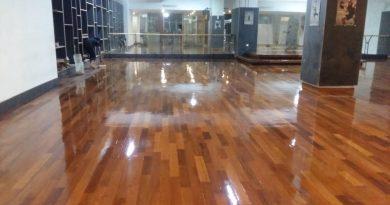 lantai kayu depok