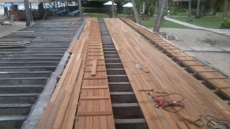 lantai kayu lombok