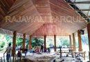 memasang plafon kayu
