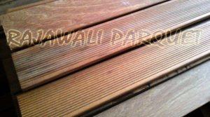 harga decking kayu ulin murah