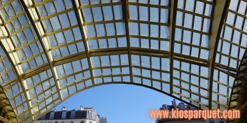 Konsep Dekorasi Café Outdoor - gunakan atap canopy