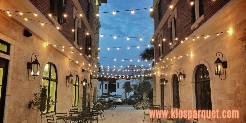Konsep Dekorasi Café Outdoor - pemilihan lampu